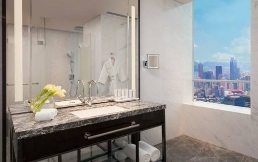 ncq_n3-grand-deluxe-bathroom.jpg